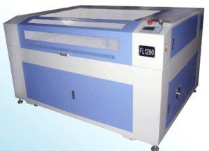 Laser CO2 - veličina radne plohe 120x90 cm. Služi za graviranje i rezanje nemetala